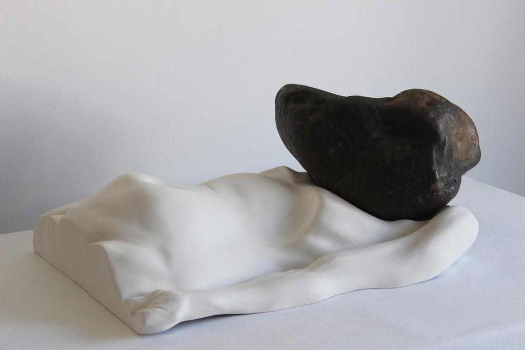 Bogdan Rața, The Pressure, 2015, fibre, river stone, 66×42×27 cm