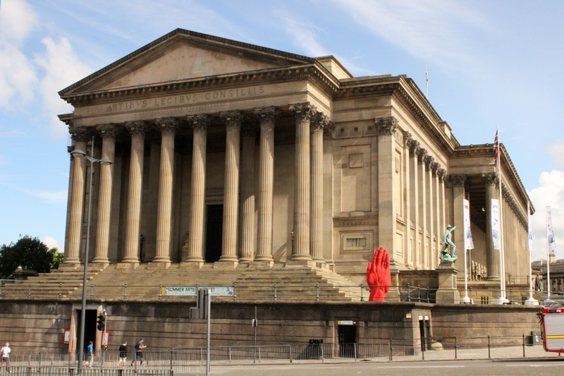 Monumental-Sculpture-of-Bogdan-Rata,-St.-Georges-Hall,-Liverpool-Biennial-(9)