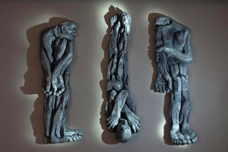 Cătălin Bădărău, Depersonalization, 2011, Sculpture, carved polystyrene, 350 x100x50cm (HxWxD)