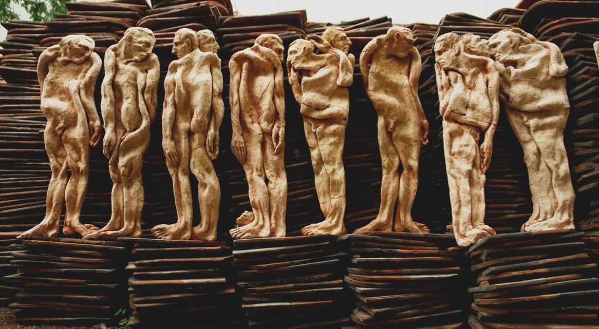 Catalin Badarau, Depersonalization, 2009, ceramic, 85cm.h