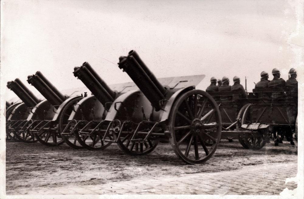 Iosif Berman, 10 Mai Defilarea artileriei, 12x18 cm