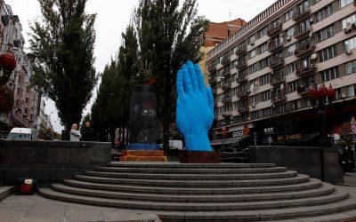 Пам'ятники, що рухаються, у Києві: сучасні румунські скульптури великих розмірів у центрі міста