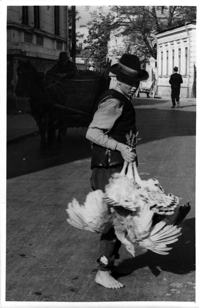 Willy Pragher, Vanzatorul de curcani, 18x12 cm