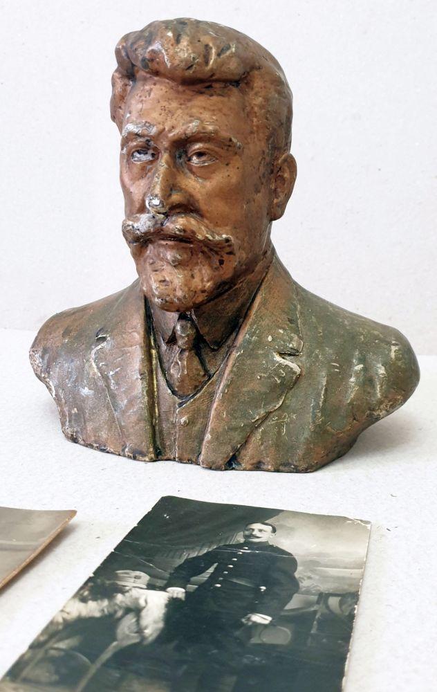 Ion Iordanescu, I C Bratianu, 20x21x12 cm